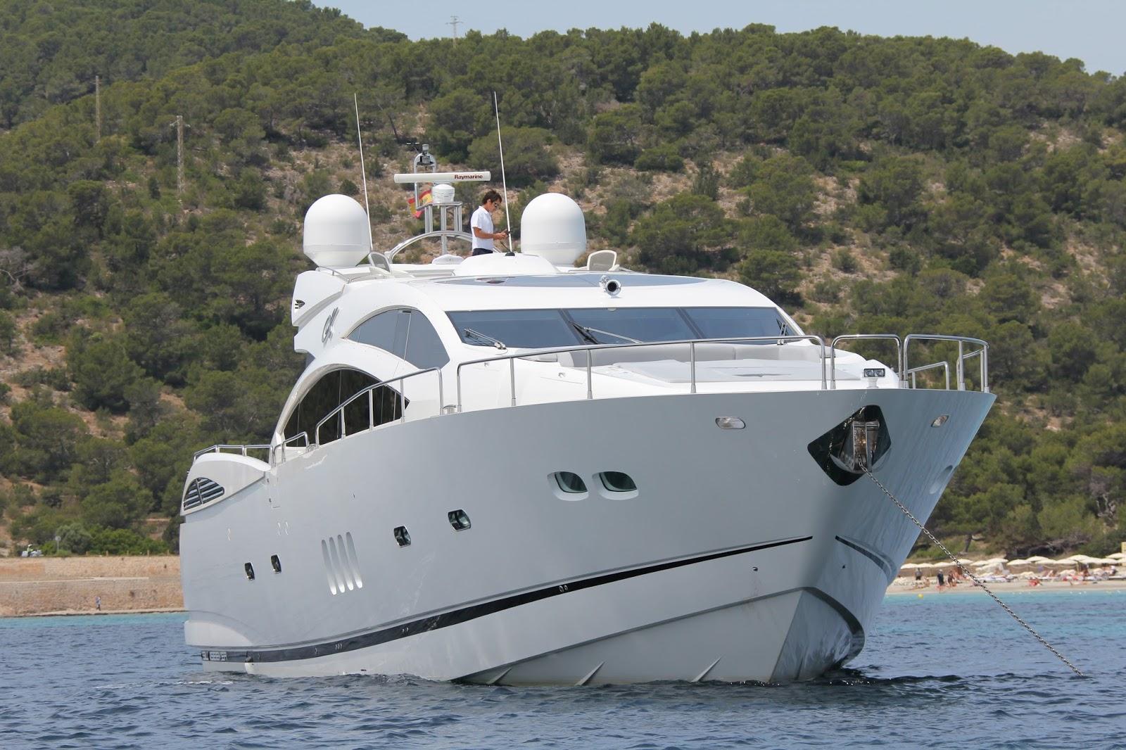 Alquiler de barcos de lujo en Ibiza