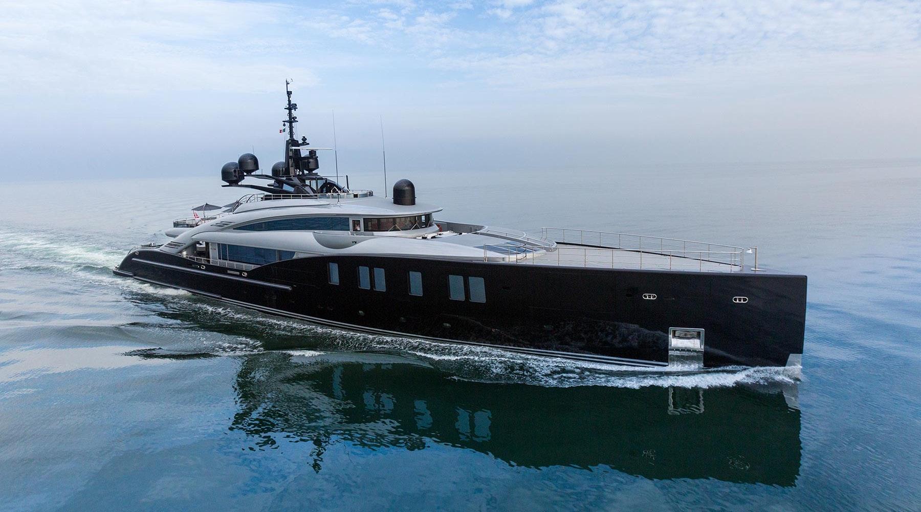 Alquilar barcos de lujo en Ibiza