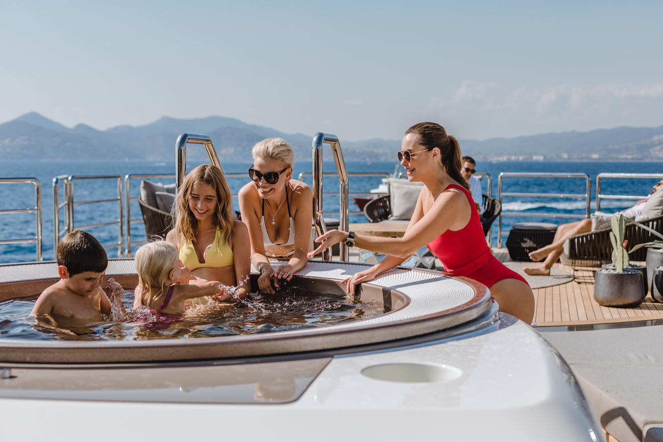 Alquilar un barco de lujo en Ibiza
