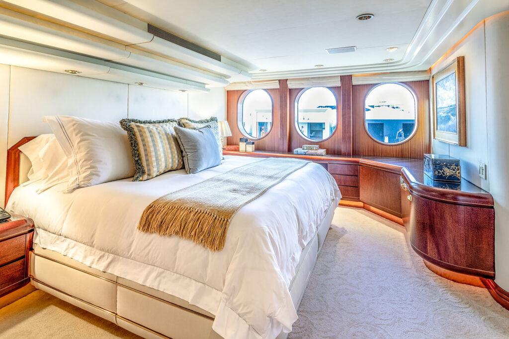 Alquiler de barcos baratos en Ibiza. Alquiler de yates en Ibiza. Yates de alquiler en Ibiza