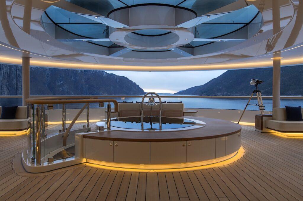 Alquiler de yates y barcos de lujo en Ibiza. Barcos de alquiler en Ibiza.