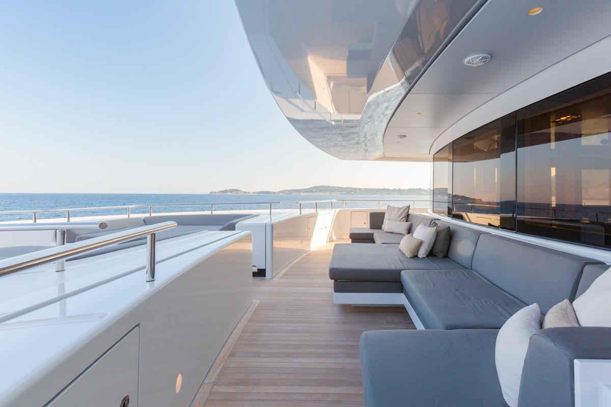 Alquiler de barcos de lujo . Barcos de lujo de alquiler