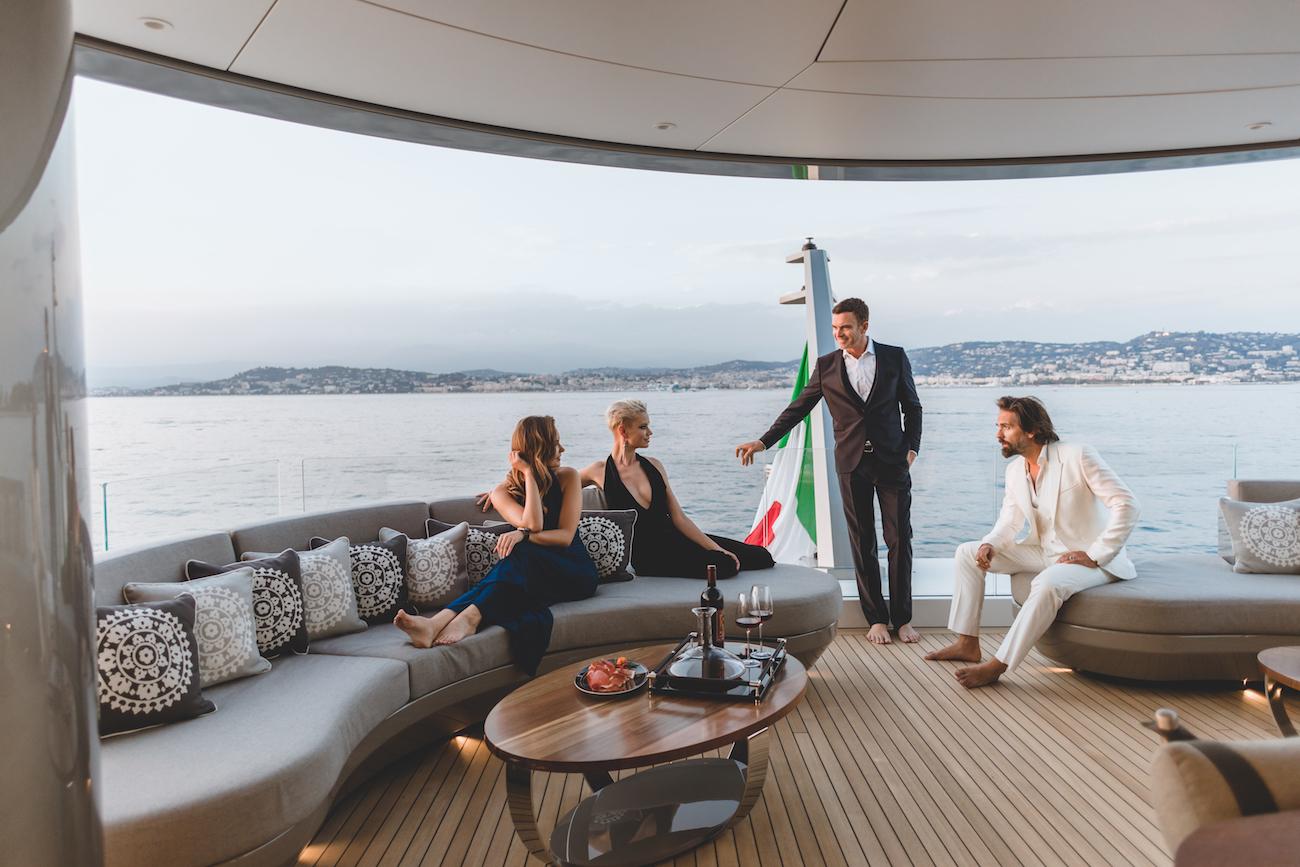 Alquiler de yates de lujo en Ibiza. Yates de alquiler en Ibiza.