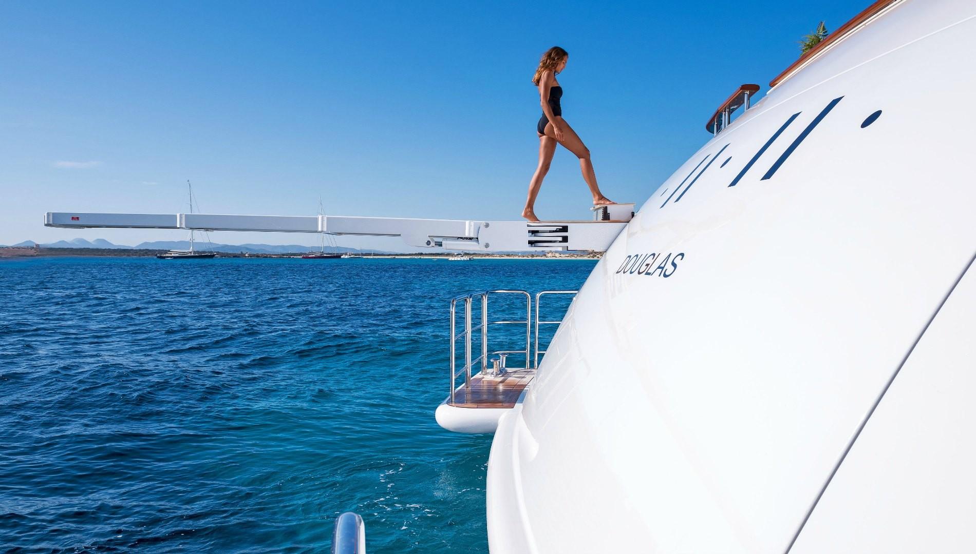 Alquiler de yates de lujo en Ibiza. Barcos baratos de alquiler en Ibiza