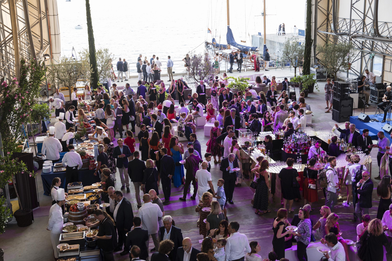 Alquiler de barcos y yates de lujo. Barcos de lujo de alquiler en Ibiza. Barcos baratos en Ibiza