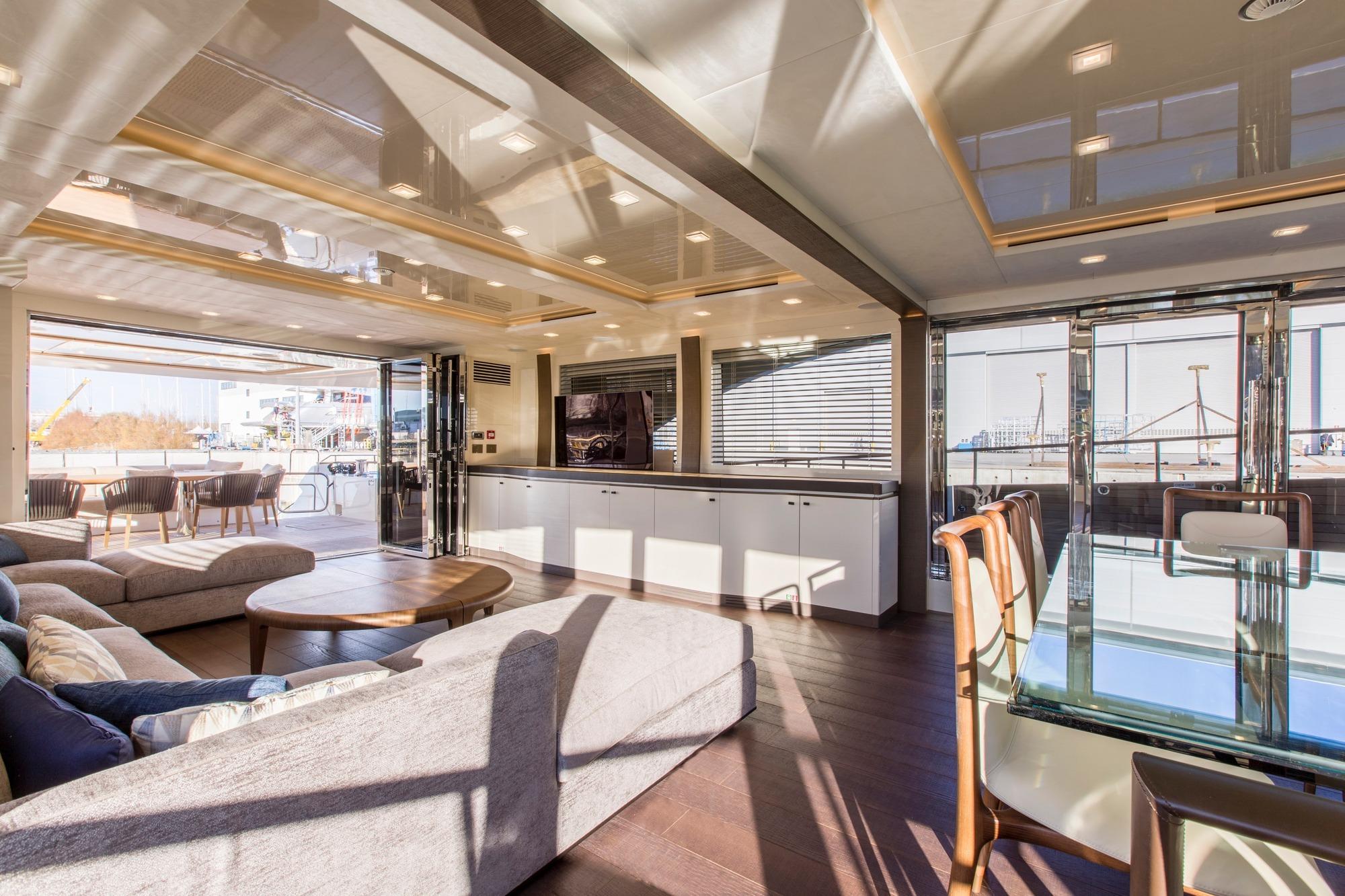 Alquiler de barcos y yates de lujo en Ibiza