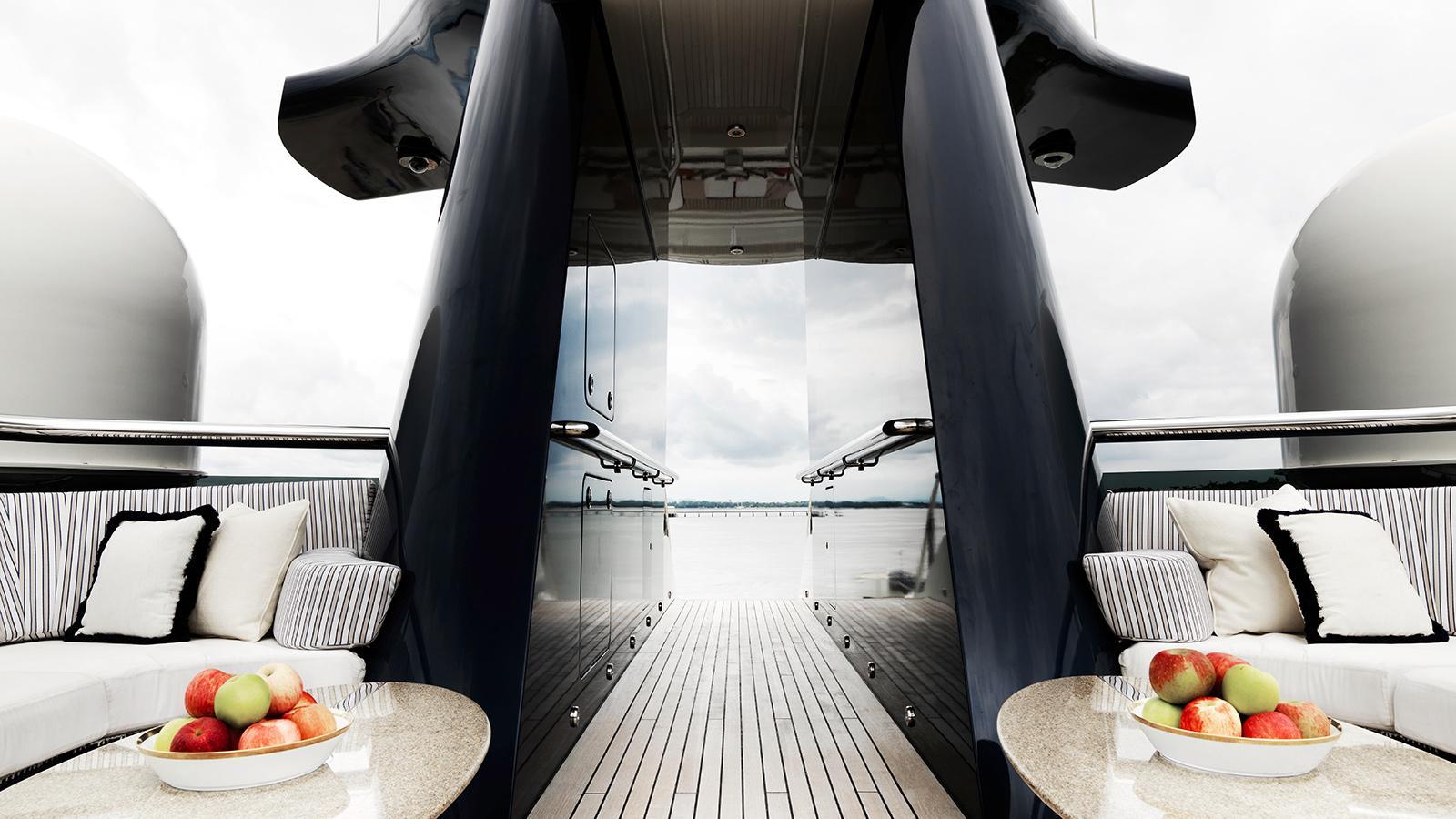 Alquiler de yates de lujo en Ibiza. Alquiler de barcos baratos en Ibiza. Yates de alquiler en Ibiza