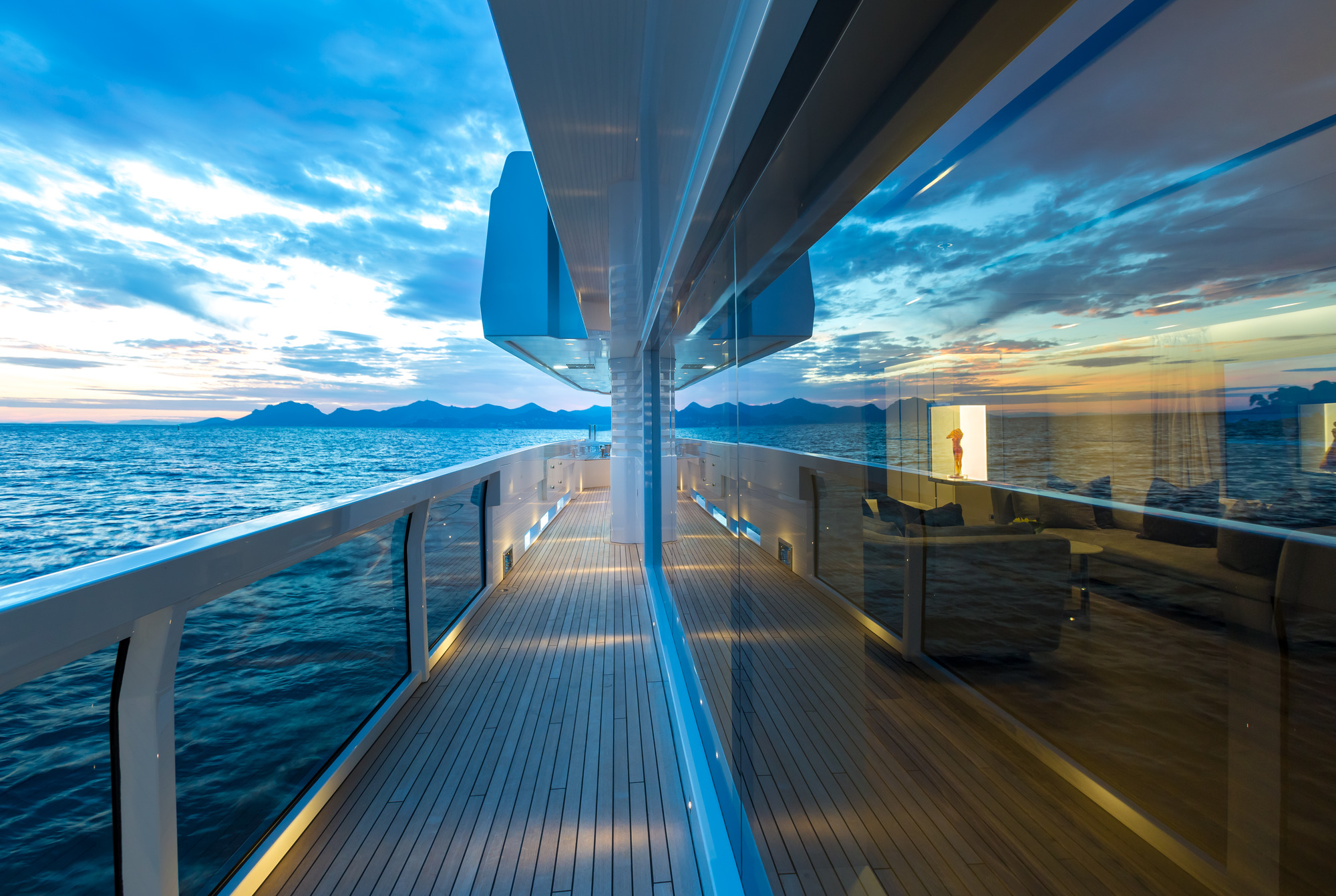 Alquiler de barcos baratos en Cannes. Yates de alquiler en Cannes