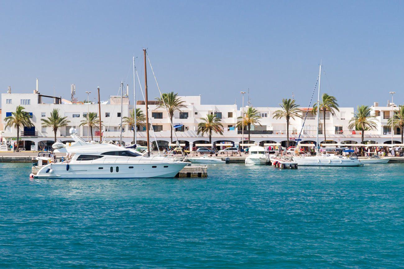 Alquiler de yates en Formentyera. Alquiler de barcos baratos en Formentera. Yates de alquiler en Formentera