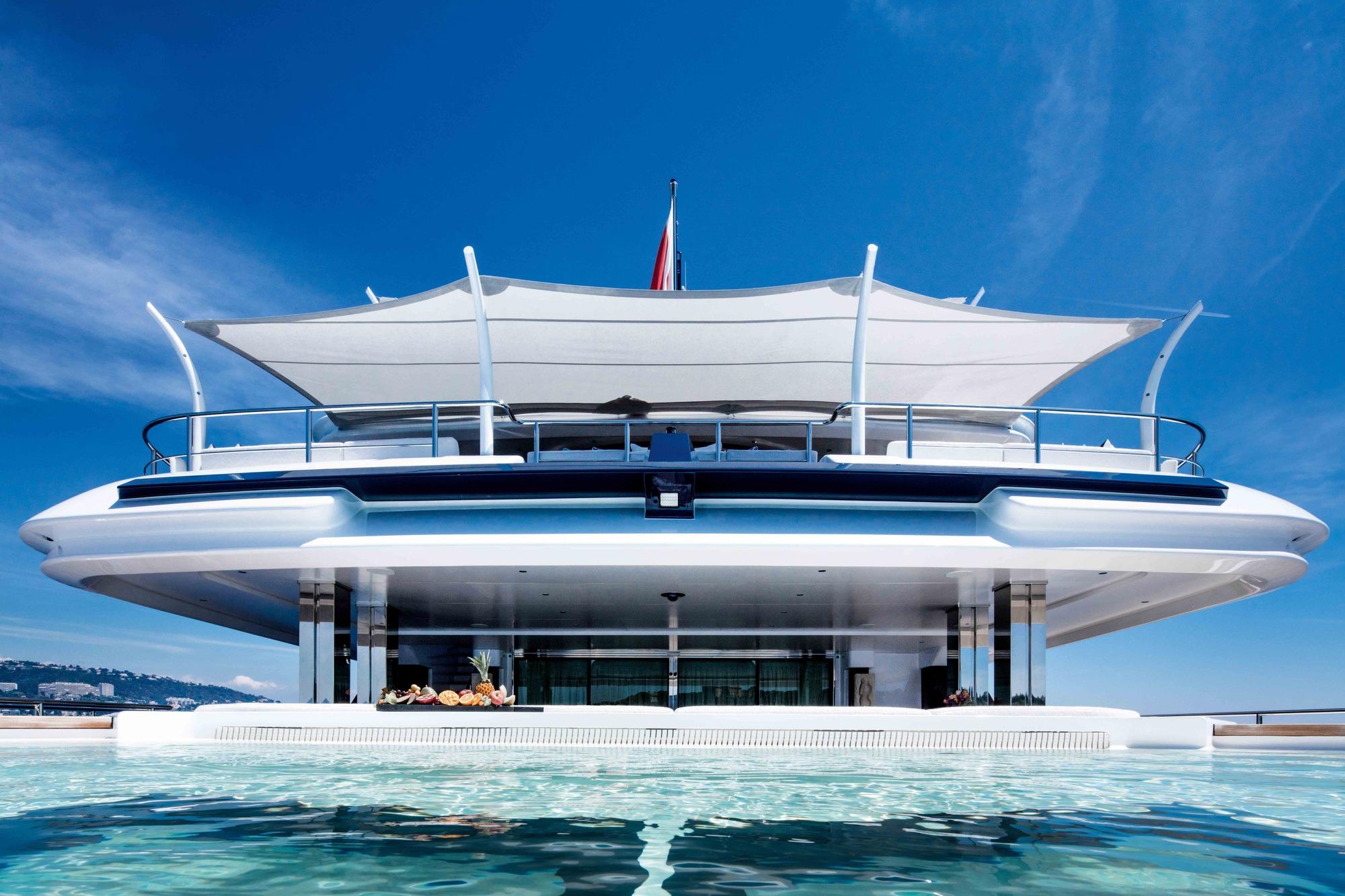 Alquiler de yates. Alquiler de barcos baratos en Ibiza. Yates de alquiler en Ibiza