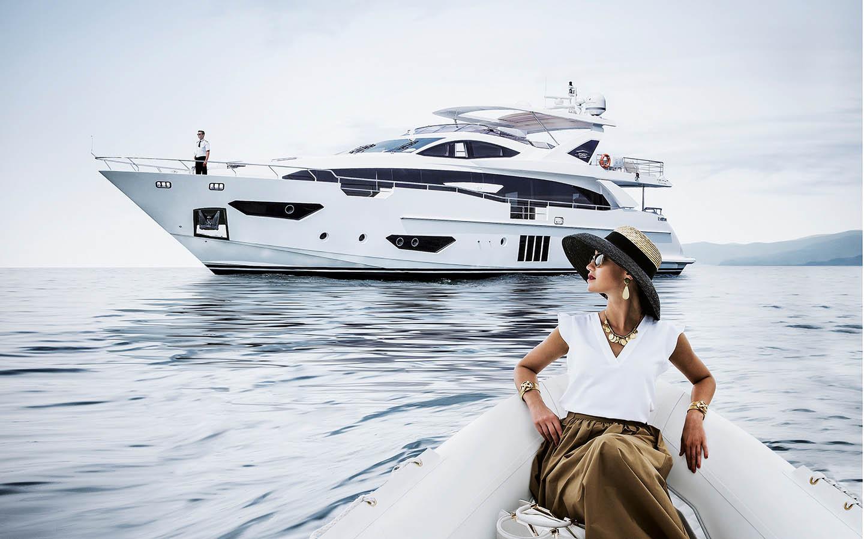 Alquiler de yates de lujo Azimut. Alquiler de barcos baratos Azimut. Alquiler de yates en Ibiza