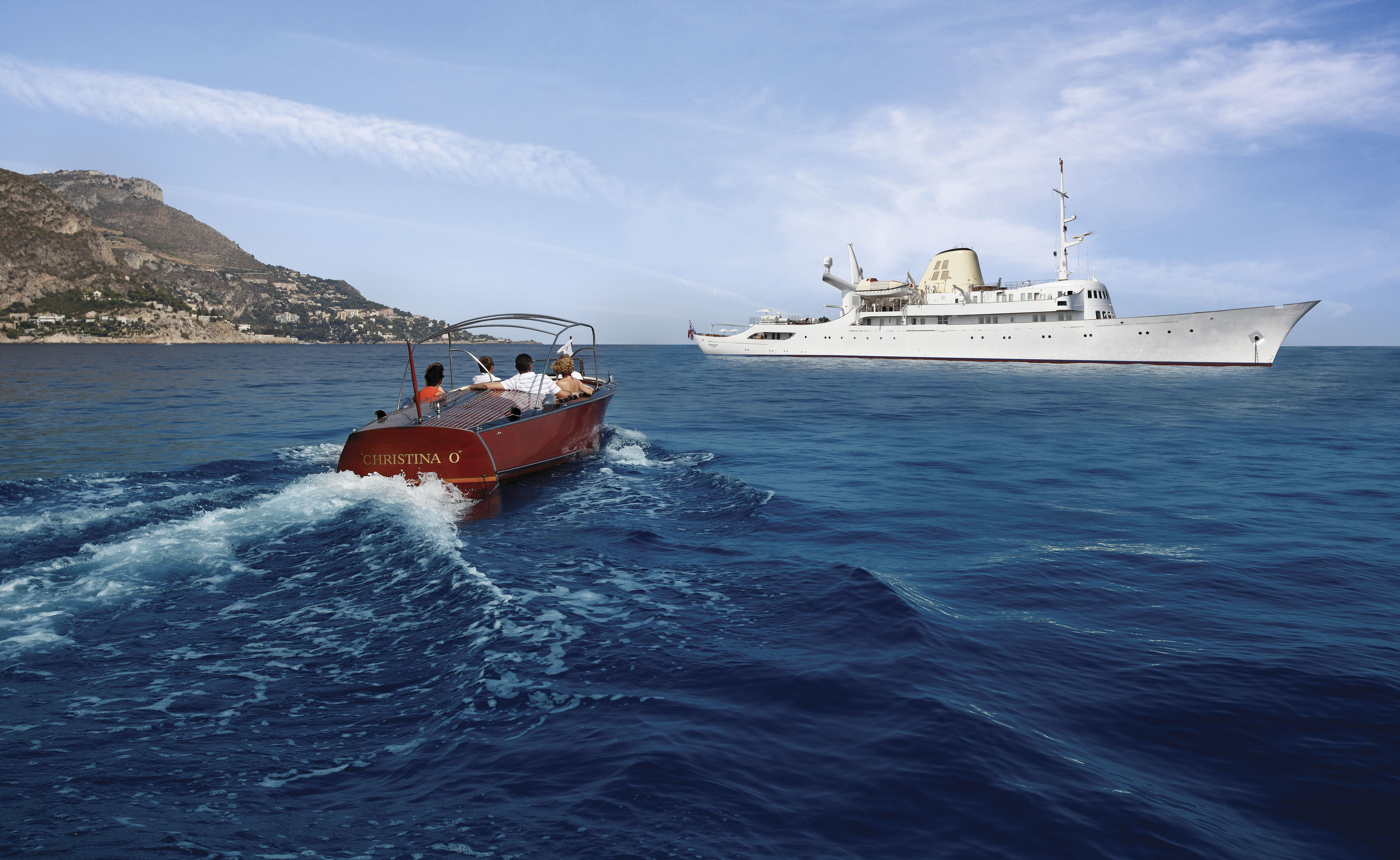 Alquiler de barcos y yates de lujo en Ibiza. Yates de alquiler en Ibiza. Yates de lujo en Ibiza