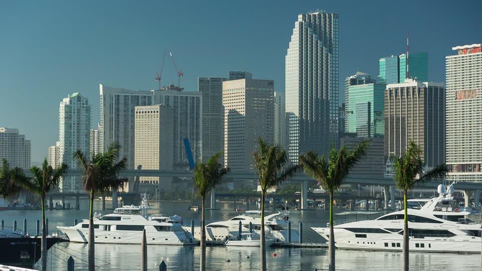 Alquiler de barcos en Miami. Alquiler de yates de lujo en Miami.Barcos baratos de alquiler en Miami