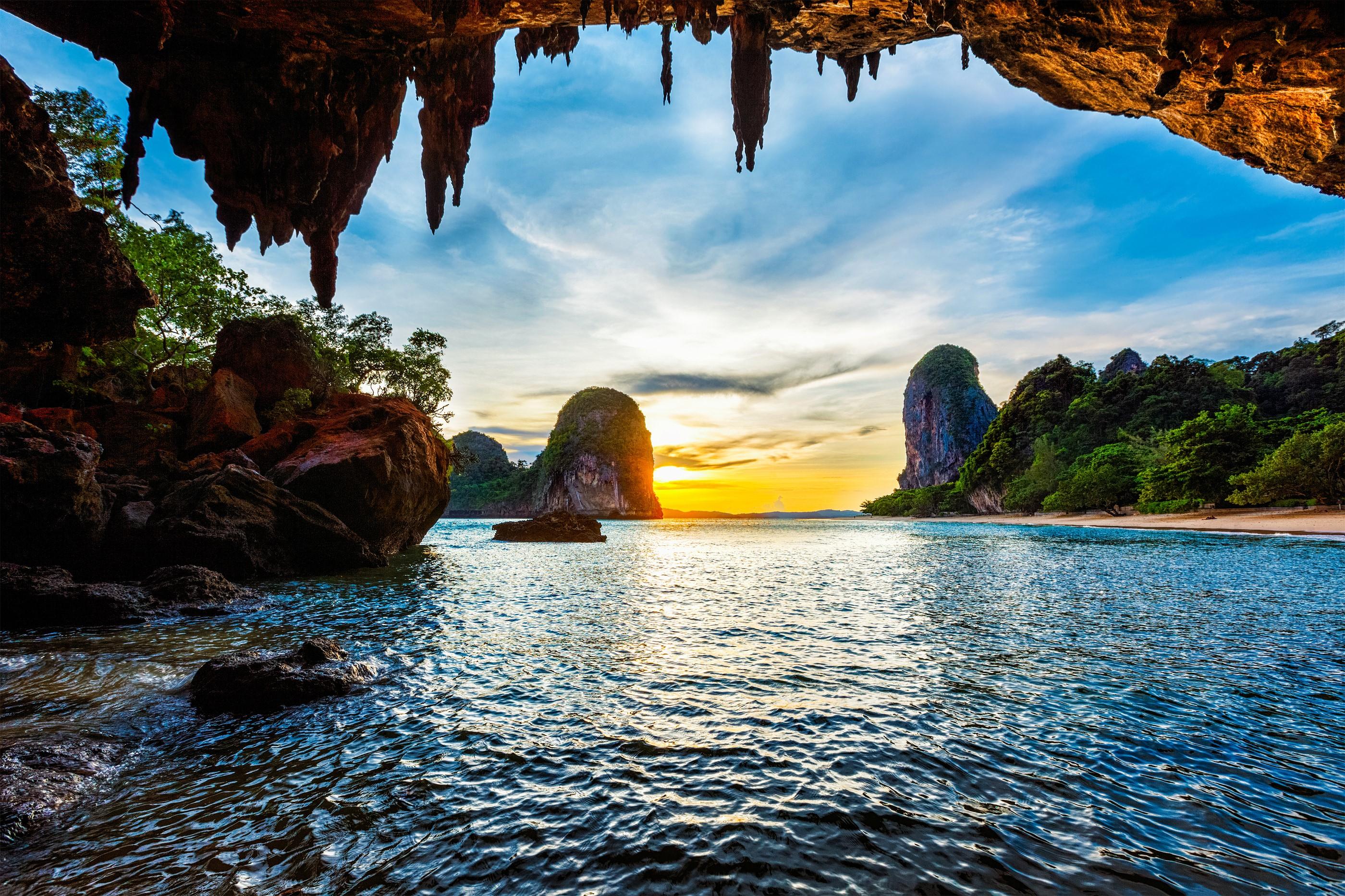 Alquiler de yates en Tailandia. Alquiler de barcos en Tailandia. Yates de lujo en Tailandia