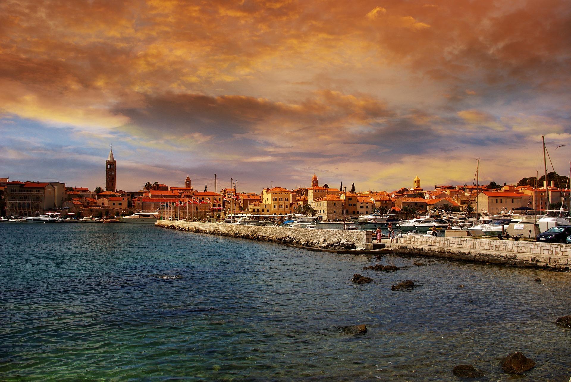 Yates de lujo en Ibiza: Carbon Ocean
