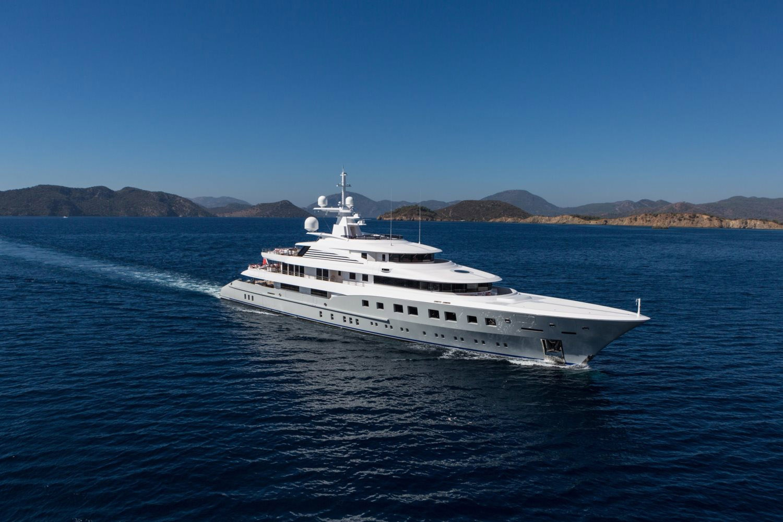 Dunya Yachts en Ibiza