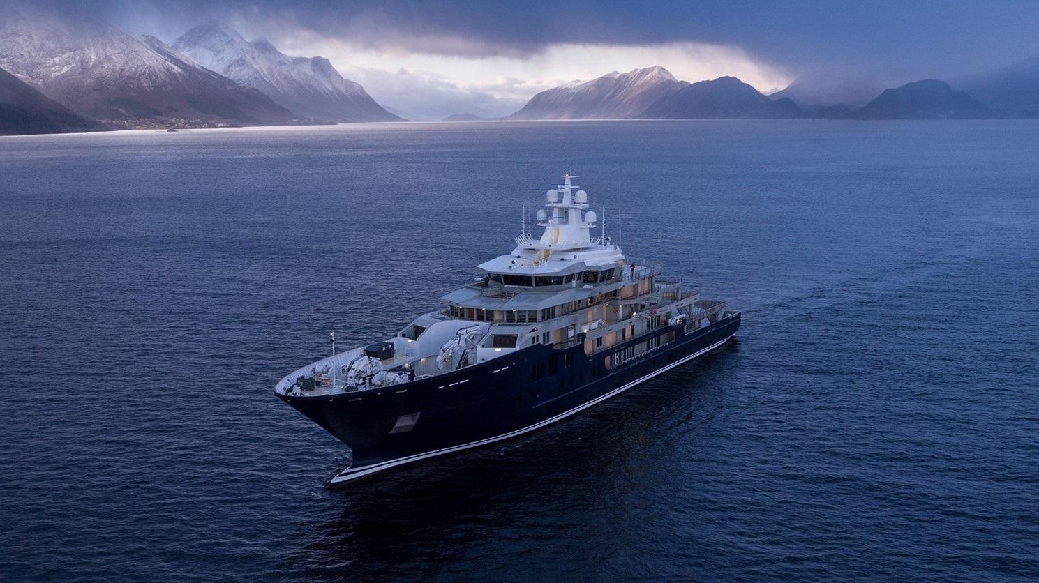 Alquiler de barcos y yates de expedición. Yates de expedición en Ibiza.