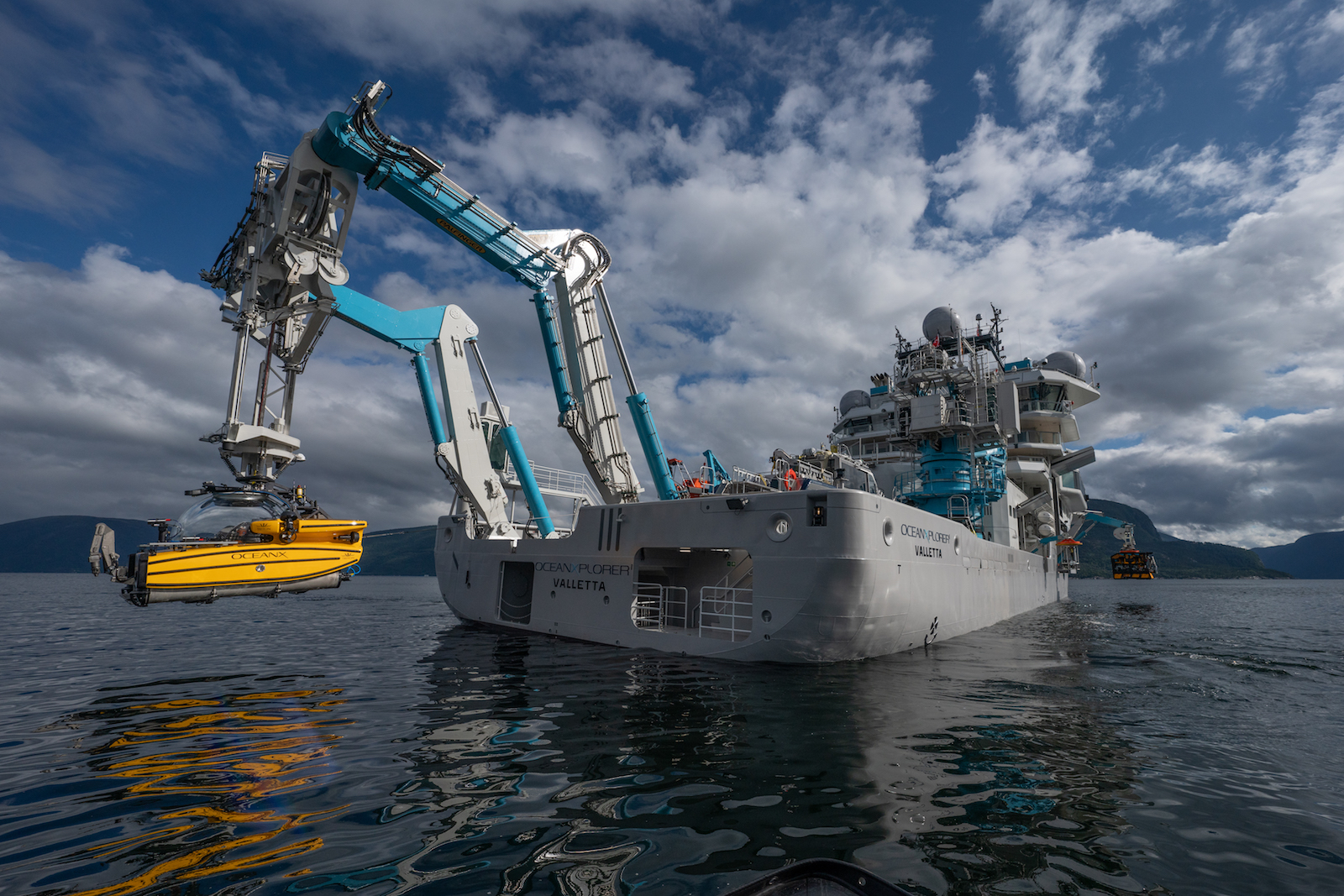 Yate de lujo: Explorer OCEANXPLORER