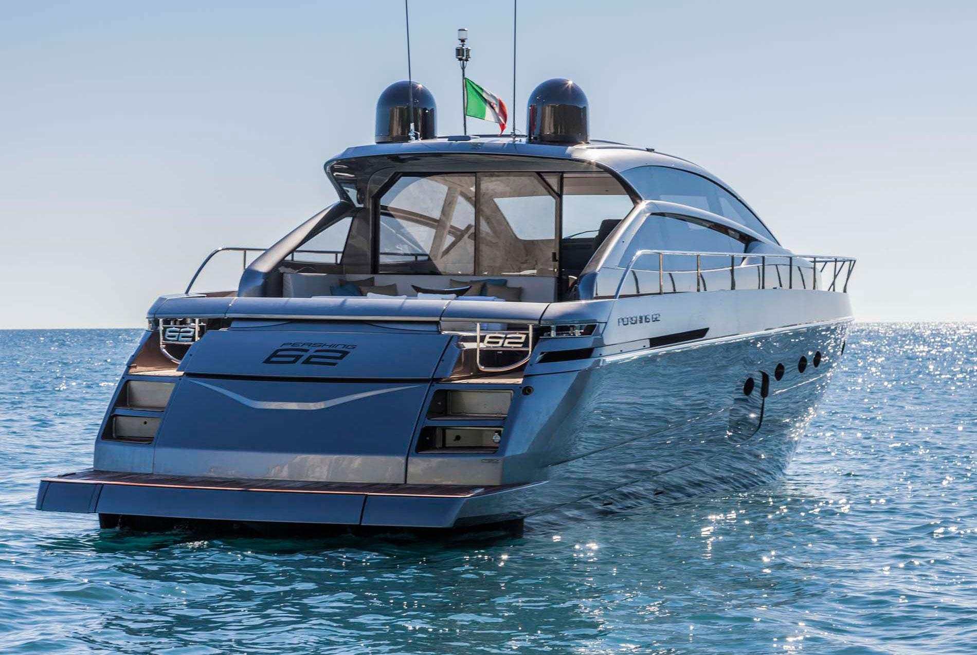 Alquiler de yates Pershing. Barcos baratos en Ibiza Pershing