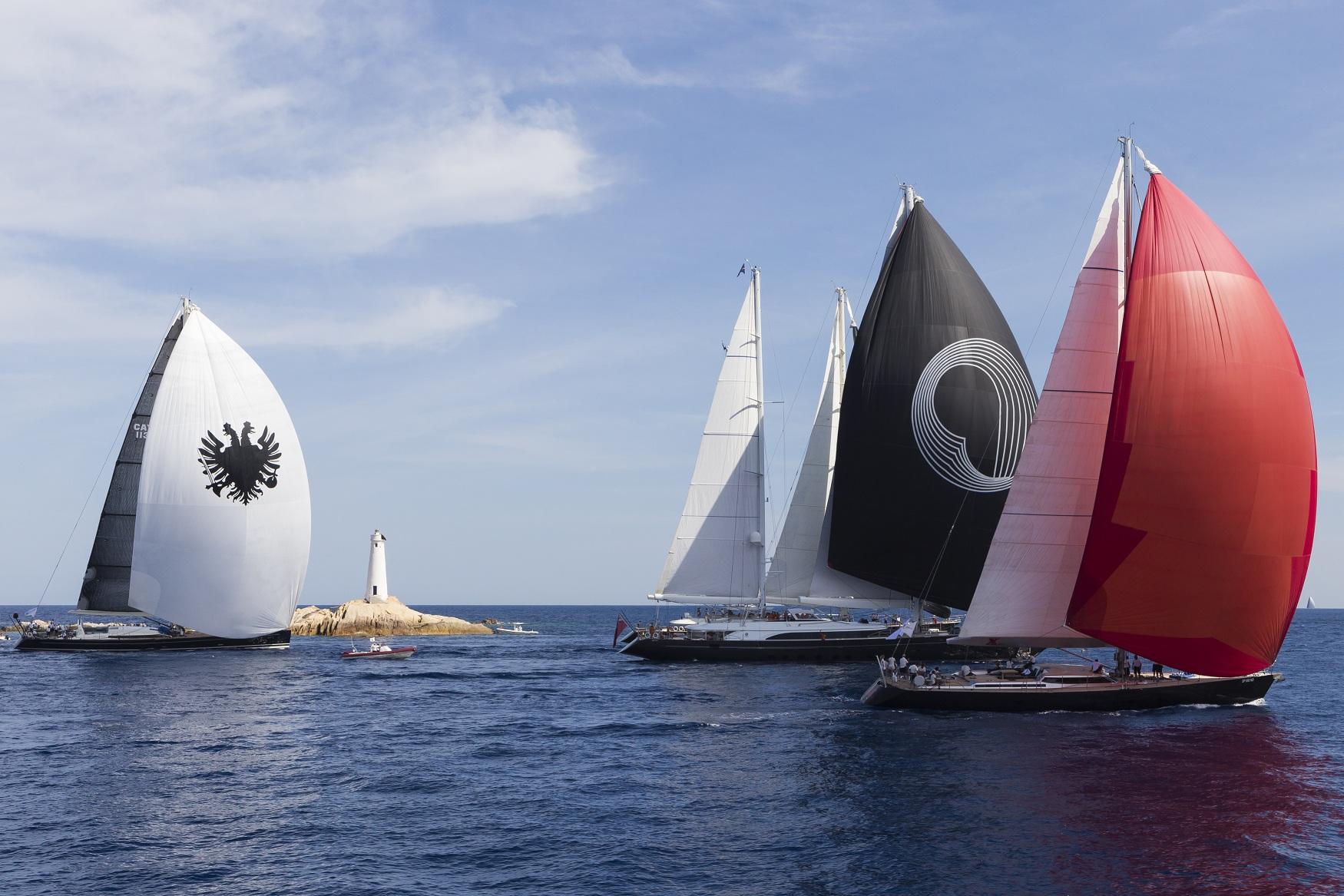 Alquiler de veleros en Ibiza Perini Navi