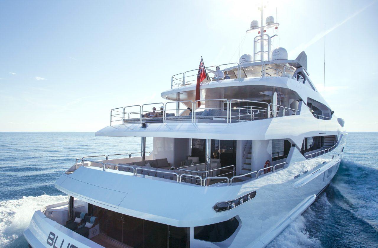 Alquiler de yates Sunseeker en Ibiza. Alquiler de barcos Sunseeker en Ibiza. Yates de alquiler Sunseeker en Ibiza, Yates Sunseeker, Ibiza