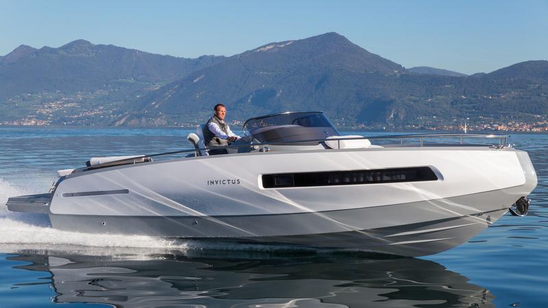 Nueva tender del superyate Invictus 280GT